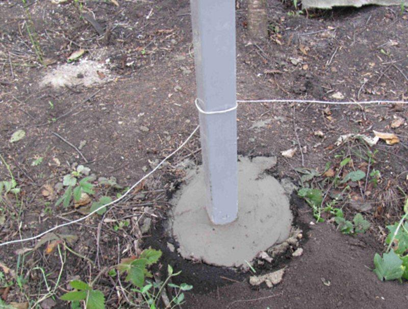 заливка столбов под рабицу