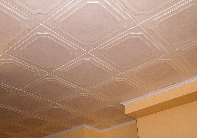 пример использования потолочной плитки