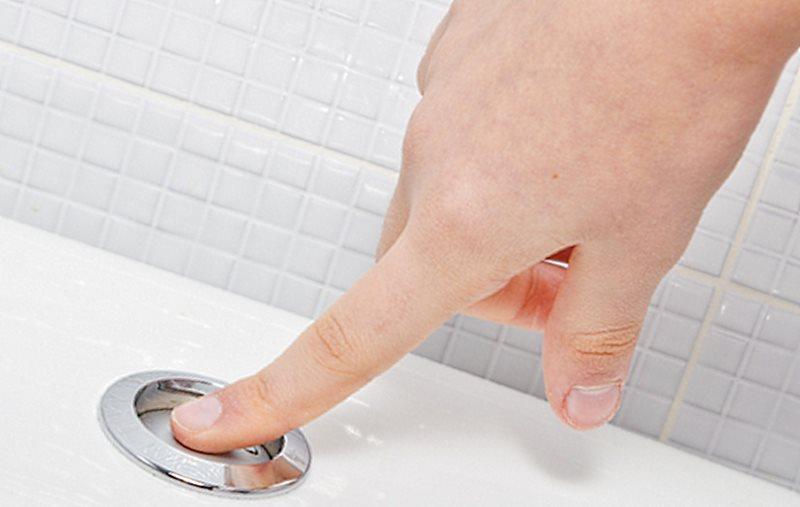 кнопочная система слива воды в унитазе