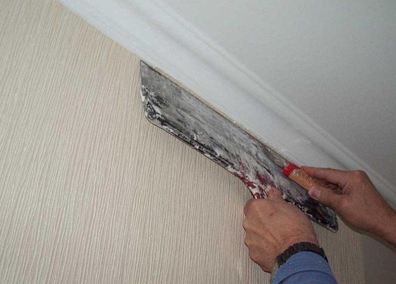 Методы монтажа потолочного плинтуса