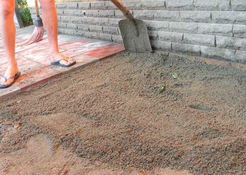 Второй слой песчаной подушки