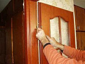 Как установить межкомнатную дверь?