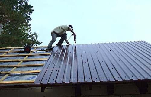 Как выбрать профнастил на крышу