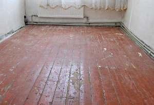 Как правильно выровнять деревянный пол?