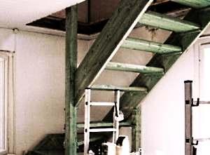 Лестница на мансарду своими руками