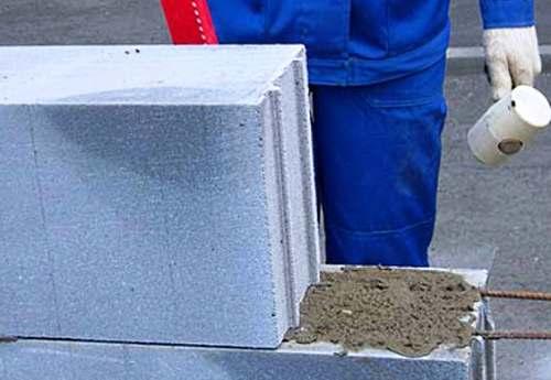 Кладка стен из пеноблоков со «связкой» из цемента