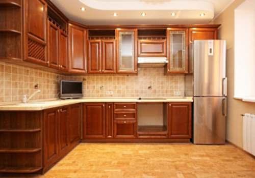 Пробковое напольное покрытие на кухне
