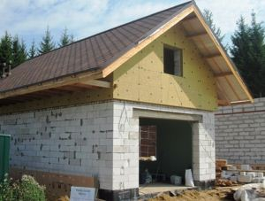 Строительство гаража из пеноблоков.