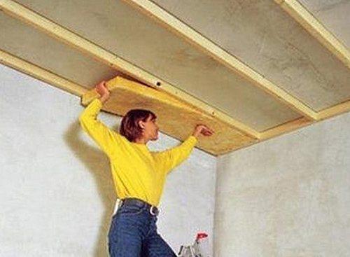 Как утеплить потолок минватой?