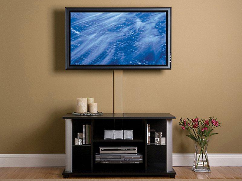Как повесть телевизор на стену?