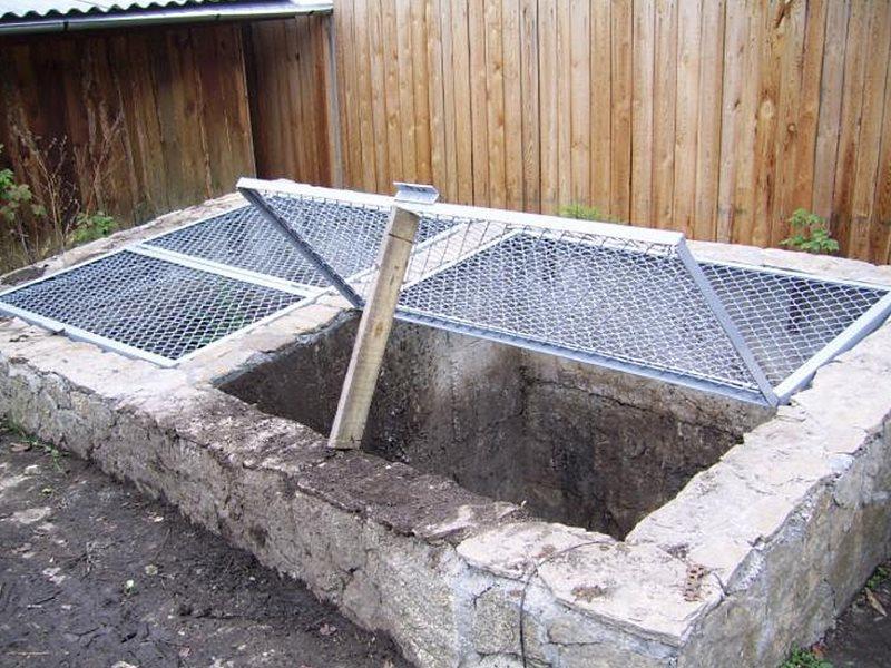 забетонированная компостная яма