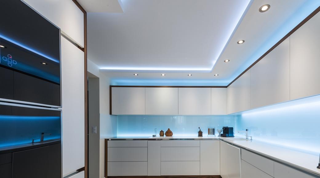 Как выбрать материал натяжного потолка?